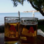Olive Press Hotel Beach'e geldiysek birer bira :)